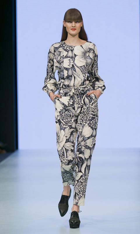 B-W-Floral-Jumpsuit-480x800