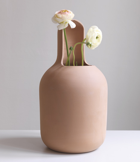 dezeen_Gardenias-by-Jaime-Hayon-for-BD-Barcelona-Design_7