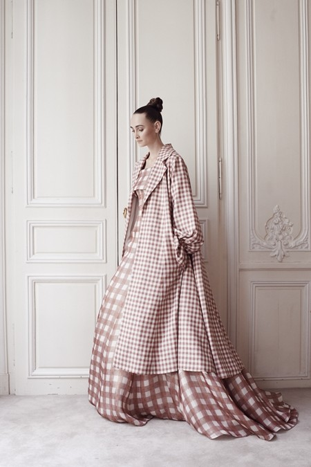 9-robe-Brabants-Bon-et-son-manteau
